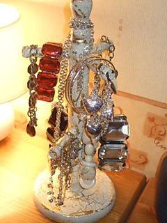 Jakeys jewelery stand