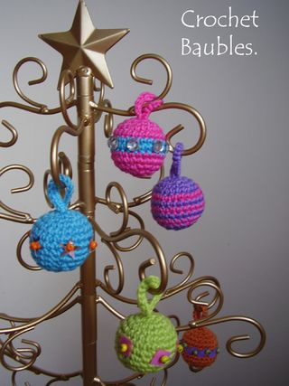 Pic 28 Crochet christmas tree baubles
