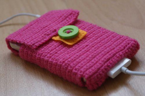 Crochet i pod case close up web