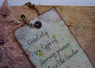 Close up quote tag  and chain web