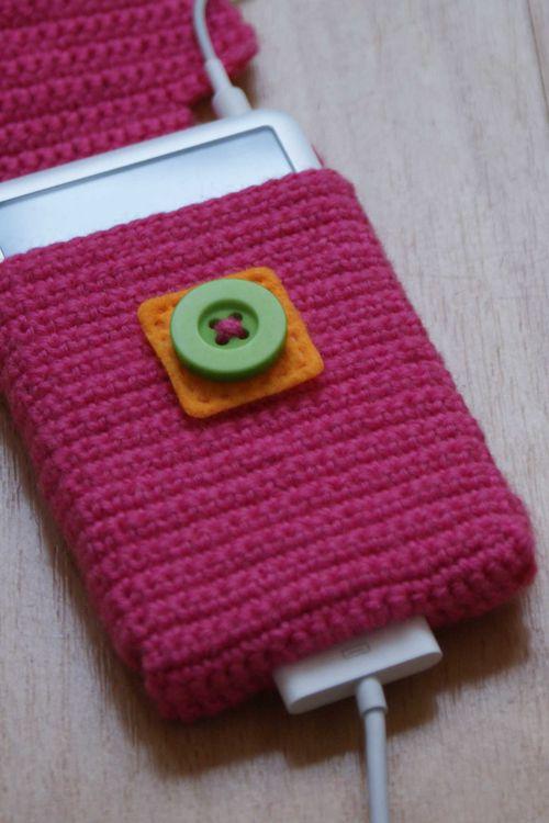 Crochet i pod case flap open web