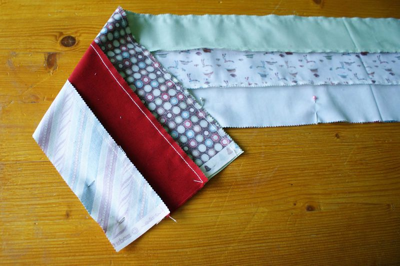 3 sew tube of 3 light and 3 dark fabrics web