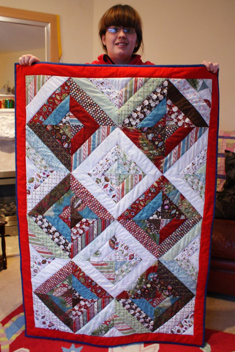 Finished Christmas lap Quilt web