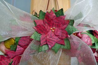 Wreath-details-of-bow-and-b