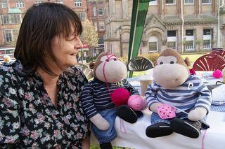 Monkeys crochet with Helen web
