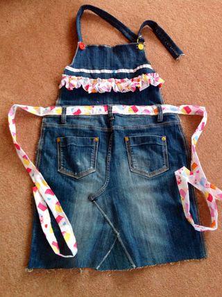 Lilli's apron