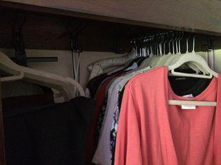 Capsule work clothes